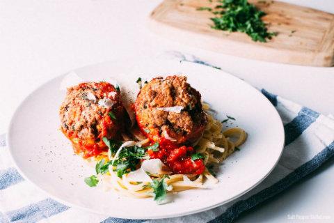 tuna-meatballs-3 feat image