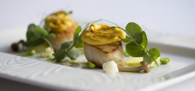 Scallops-with-pea-shoots 580x270