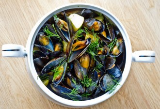 AP_Apple-y mussels 3